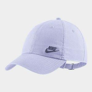 Nike Women's hat ,sport swear heritage 86.
